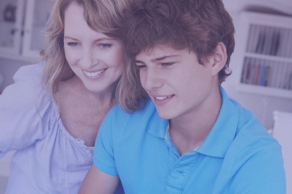 Gamen met moeder en zoon